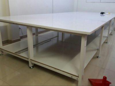 Mua bàn cắt vải ở đâu chất lượng