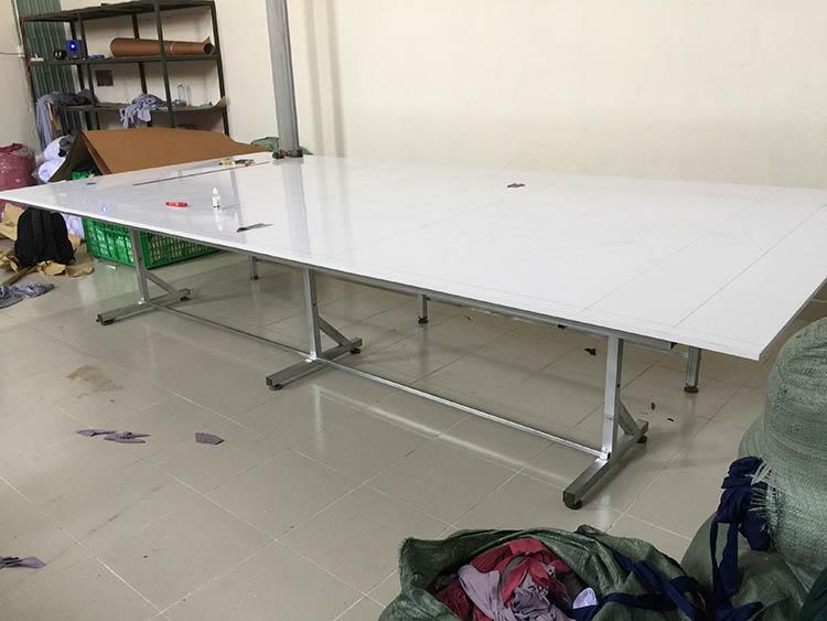 T&T cung cấp cả bàn cắt vải công nghiệp dạng xếp