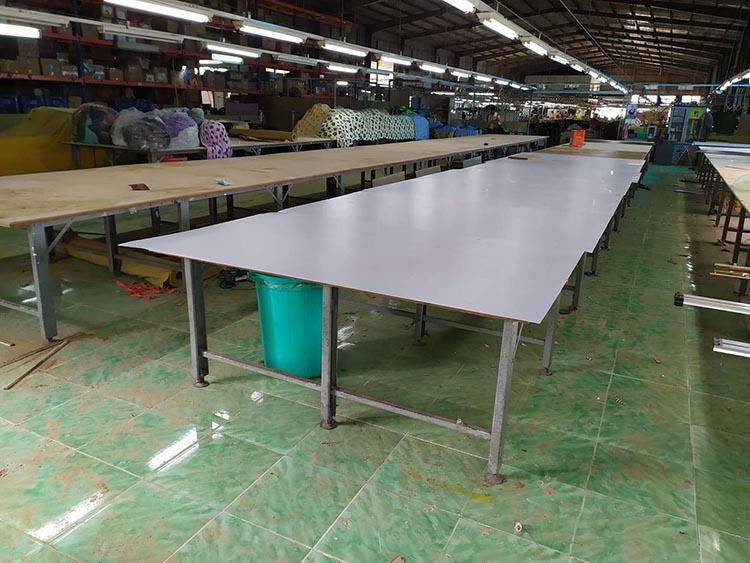 Bàn cắt vải công nghiệp ảnh hưởng nhiều đến năng suất và chất lượng